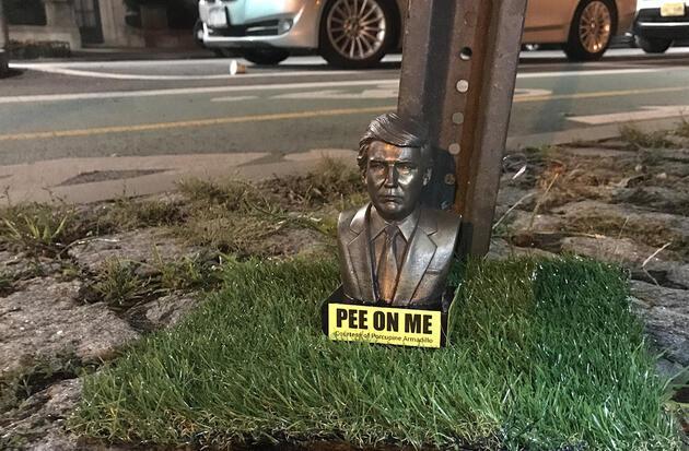 New York sokaklarında şaşırtan heykel