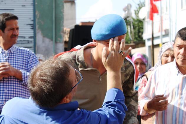 Afrin'den dönen komando, baba ocağında davul zurnayla karşılandı