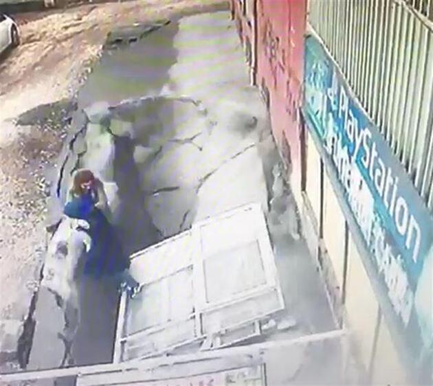 Diyarbakır'da kaldırım çöktü, doktor ve hemşire içine düştü