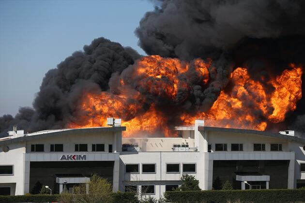 Son dakika... İstanbul'da fabrika yangını: Çok sayıda ekip sevk edildi