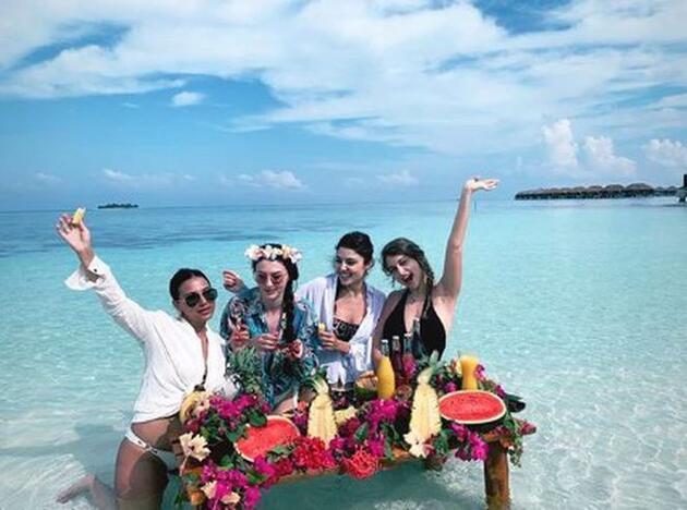 Maldivler'de olan Hande Erçel'in aklı, Murat Dalkılıç'ta kaldı!