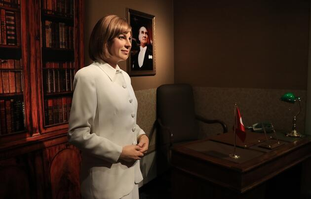 Tansu Çiller'in figürü Madame Tussauds'da