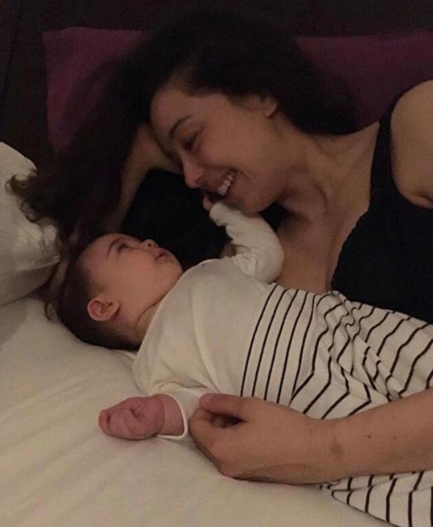 Hande Erçel'den yürek yakan Anneler Günü mesajı