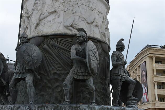 Heykelleriyle ünlü başkent: Üsküp