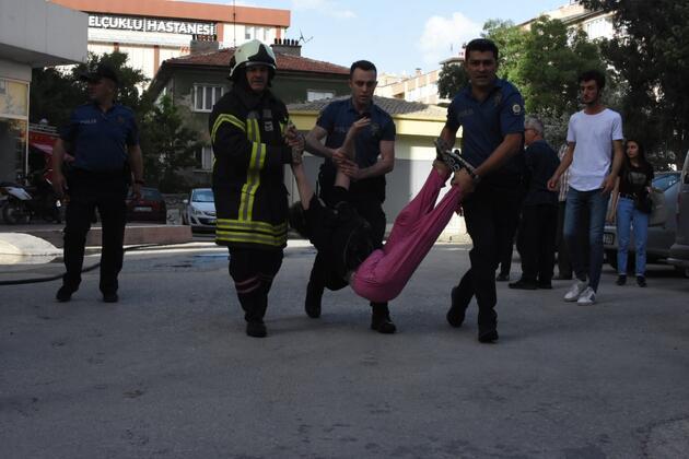 Apartmanda yangın paniği: 6 kişi dumandan etkilendi