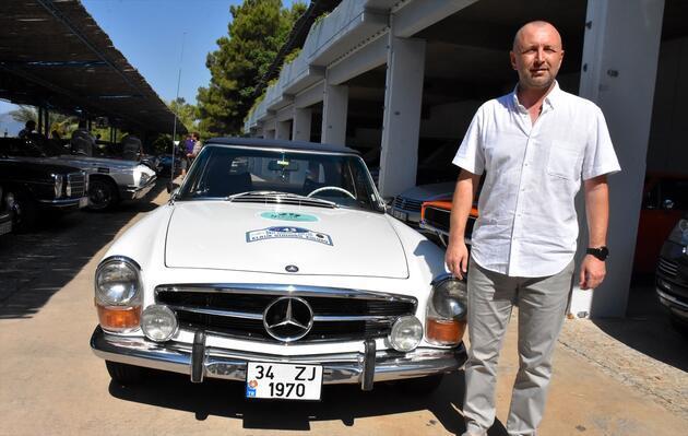 Klasik otomobil tutkunları rallide buluştu