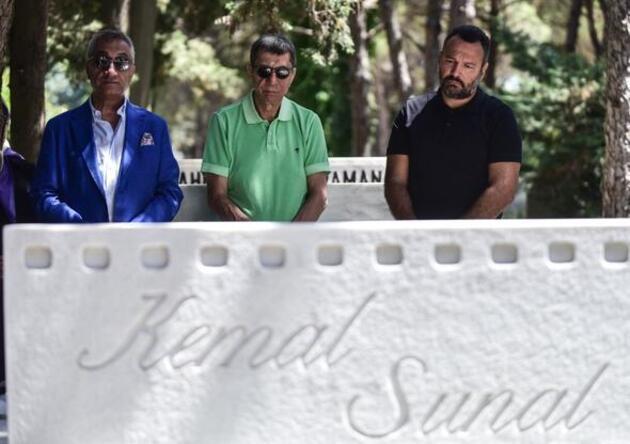 Kemal Sunal, vefatının 19. yılında mezarı başında anıldı!