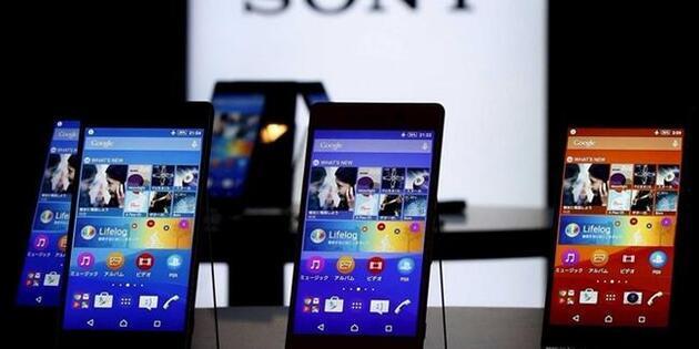 Sony'den katlanabilen telefon atağı