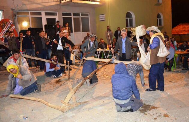 Köy düğününde ilginç gelenek
