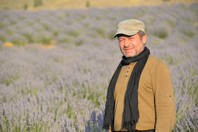 Burdur'un dağlarında mor şölen! Rus turistlerin yeni adresi oldu