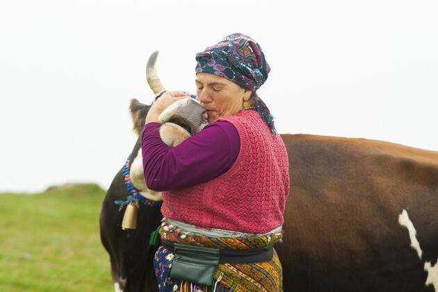 Karadenizli kadınların hayvan sevgisi