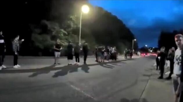 İngiltere'de otomobil etkinliğinde feci kaza: 16 yaralı
