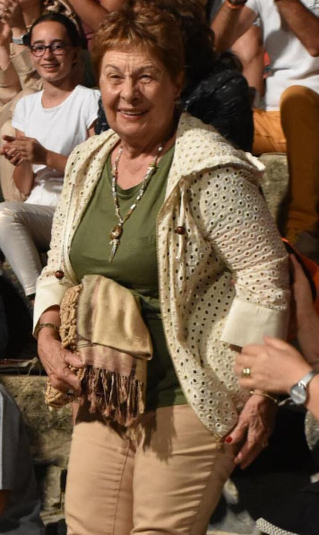 Sertab Erener annesine teşekkür etti