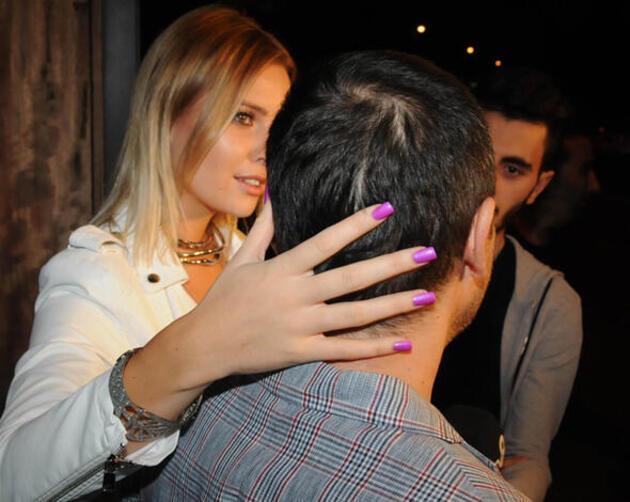 Karımın omzuna el atmak istiyorum, olmuyor!