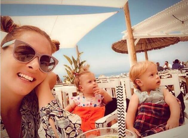 Kızlar tatilde