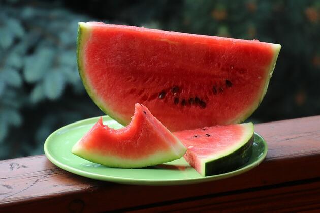 Uzmanından yaz sıcaklarında beslenme önerileri
