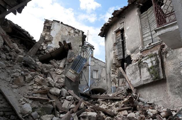 Son tahmini de doğru çıktı! 'Deprem kahini'nden yeni uyarı: Bu tarihlere dikkat!