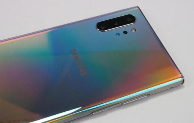 Samsung bombayı patlattı! İşte yeni telefonları ve şaşırtan fiyatları