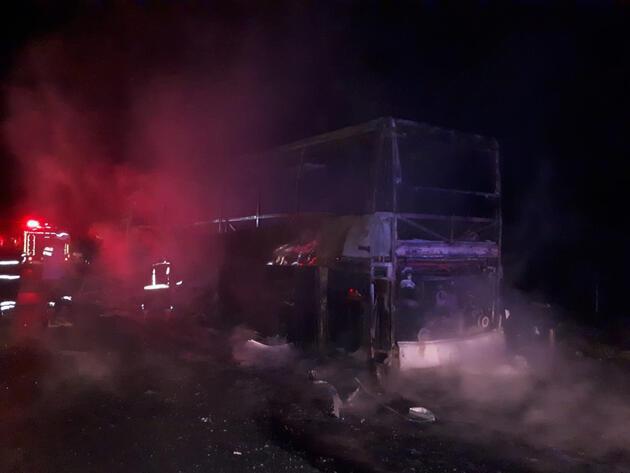 Mersin'de otobüs yandı: 40 yolcu son anda kurtarıldı