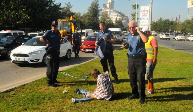Yer: Adana... Polisi görünce soyunmaya başladı