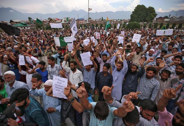 Cammu Keşmir'de iletişim kısıtlaması hayatı felç ediyor