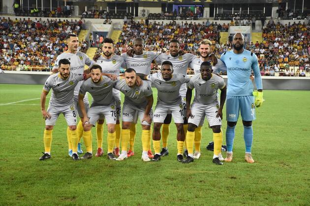 Yeni Malatyaspor, Başakşehir'i farklı geçti