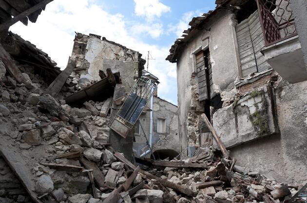 Dünyayı ürküten araştırma: Büyük depremler hafif sarsıntılarla geliyor