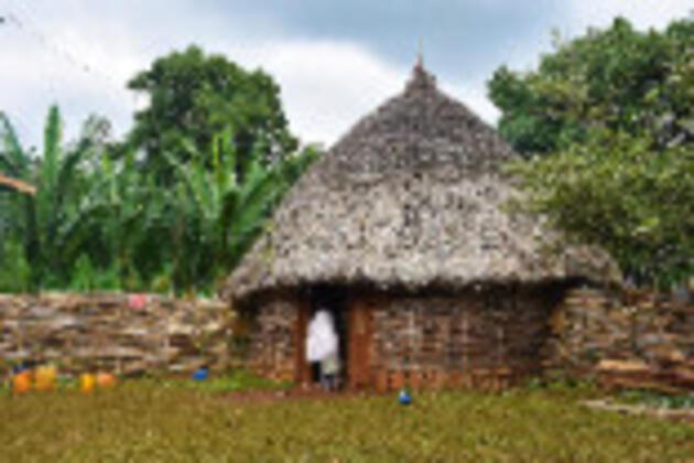 """Etiyopya'nın geleneksel """"kabile evleri""""nde yaşam"""