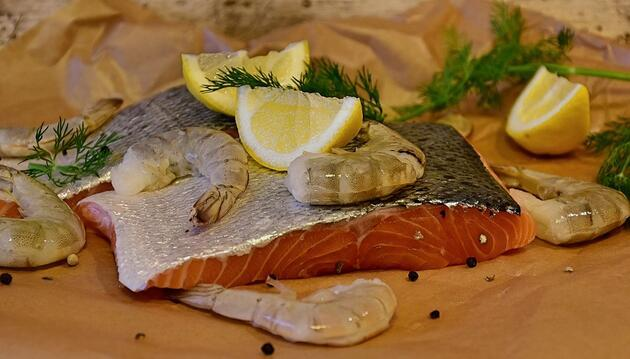 Balığın yanında ayran içilir mi?