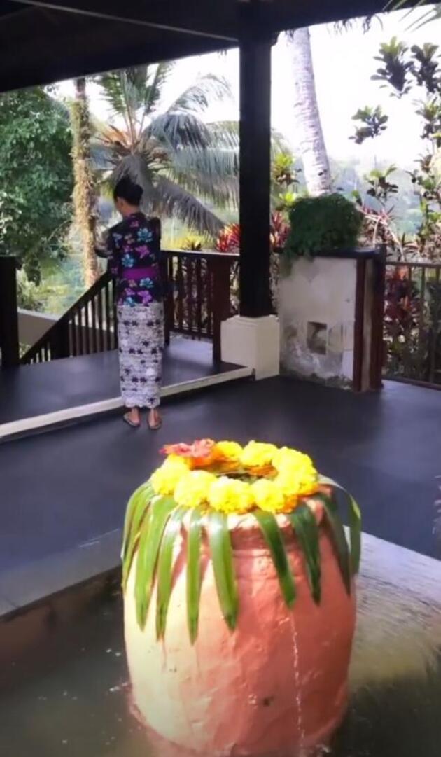 Kıvanç-Başak Tatlıtuğ çifti Bali'de aşk tazeledi
