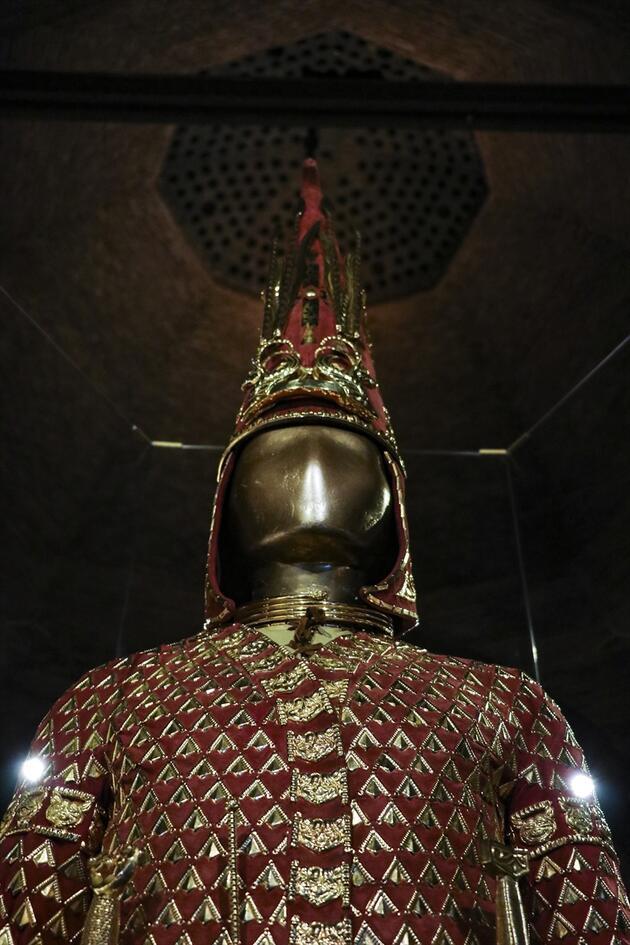 """2500 yıllık Altın Elbiseli Adam Türkiye'de... """"Büyük Bozkır'ın Tutankhamunu"""""""