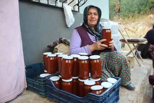Köyde kadınların geçim kaynağı oldu! Yapımı zahmetli ama her derde deva