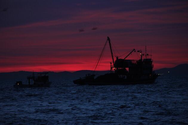 Gün batımı manzarası kartpostallık görüntüler oluşturdu