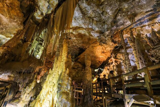 Karaca Mağarası'na ziyaretçi akını
