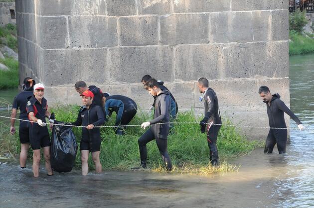 Ve başladı! Dicle Nehri atıklardan arındırılıyor