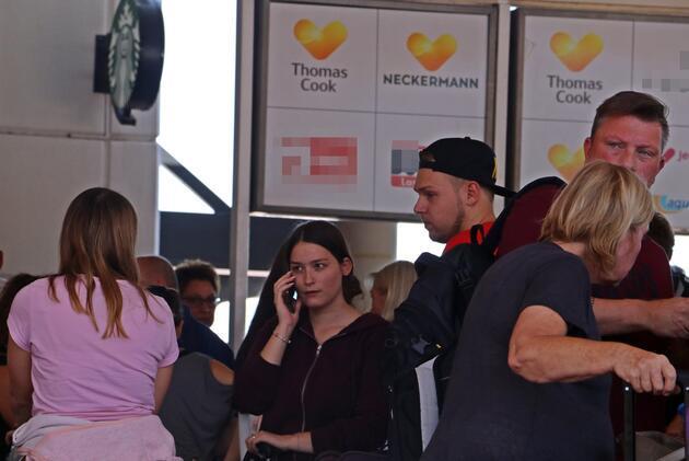 Antalya Havalimanı'nda 'Thomas Cook' kuyruğu