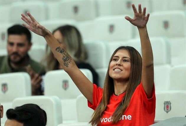 Beşiktaş taraftarından 'istifa' tezahüratı