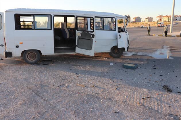 Karaman'da feci kaza: Çok sayıda yaralı var