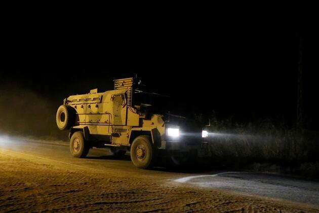 Barış Pınarı Harekatı'nda kara harekatı başladı! İşte ilk görüntüler