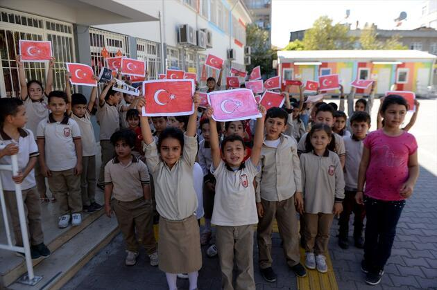 Türkiye, Barış Pınarı Harekatı'na destek için kenetlendi