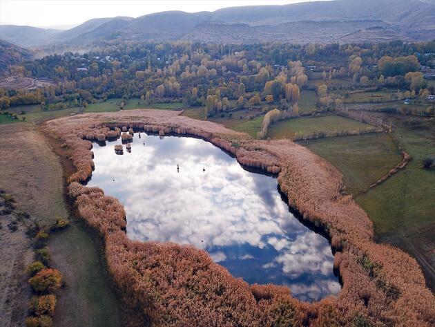 Doğa harikası Üçkaya Gölü'nden doyumsuz kareler