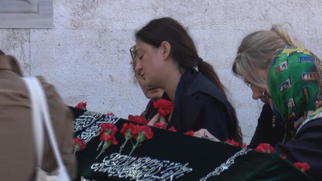 Çağlayan Adliyesi'nde intihar etmişti... Ünlü yazar Seray Şahiner'den eşine son veda