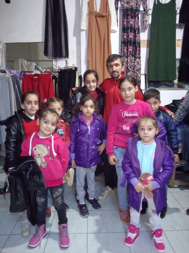 Her şey bir sloganla başladı! Yüzlerce yetim Suriyeliyi sevindirdi