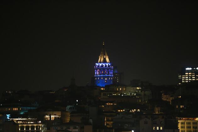 Galata Kulesi, diyabete dikkati çekmek için maviye büründü
