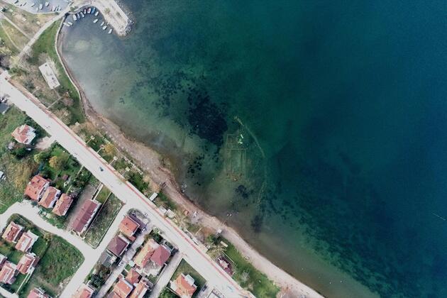 Gölün altındaki bazilika su çekilince ortaya çıktı