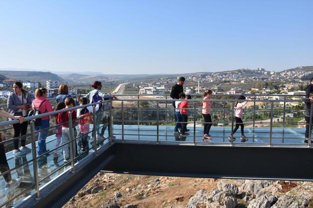 Cam terasa turistlerden yoğun ilgi
