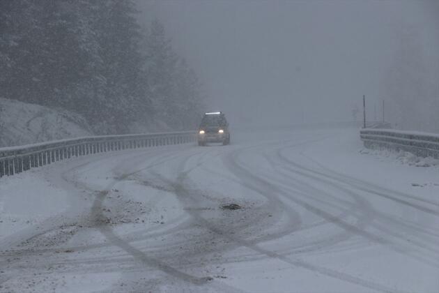 Kar adım adım İstanbul'a yaklaşıyor