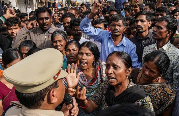 Toplu tecavüze uğradıktan sonra yakılmıştı: O vahşetin ardından ülke ayaklandı!