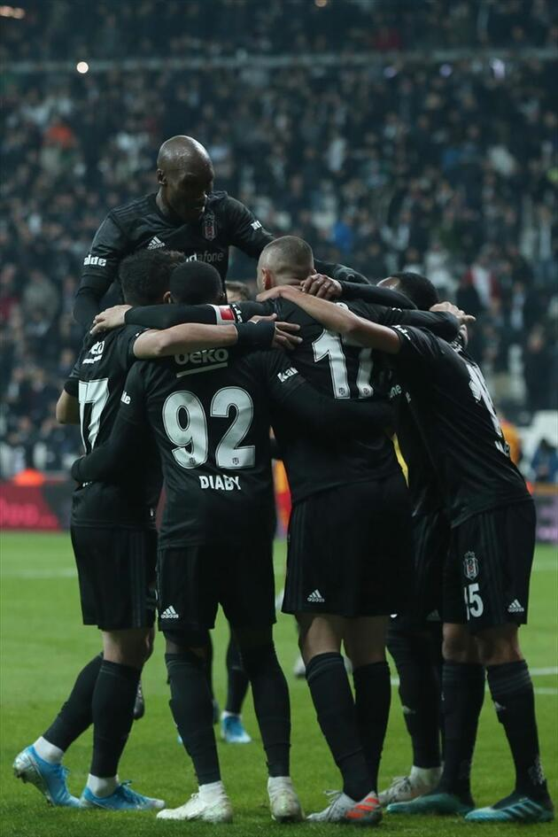 Beşiktaş ilk yarıda işi bitirdi