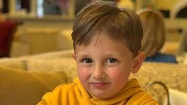Keskin nişancı 3 yaşındaki çocuğu vurdu